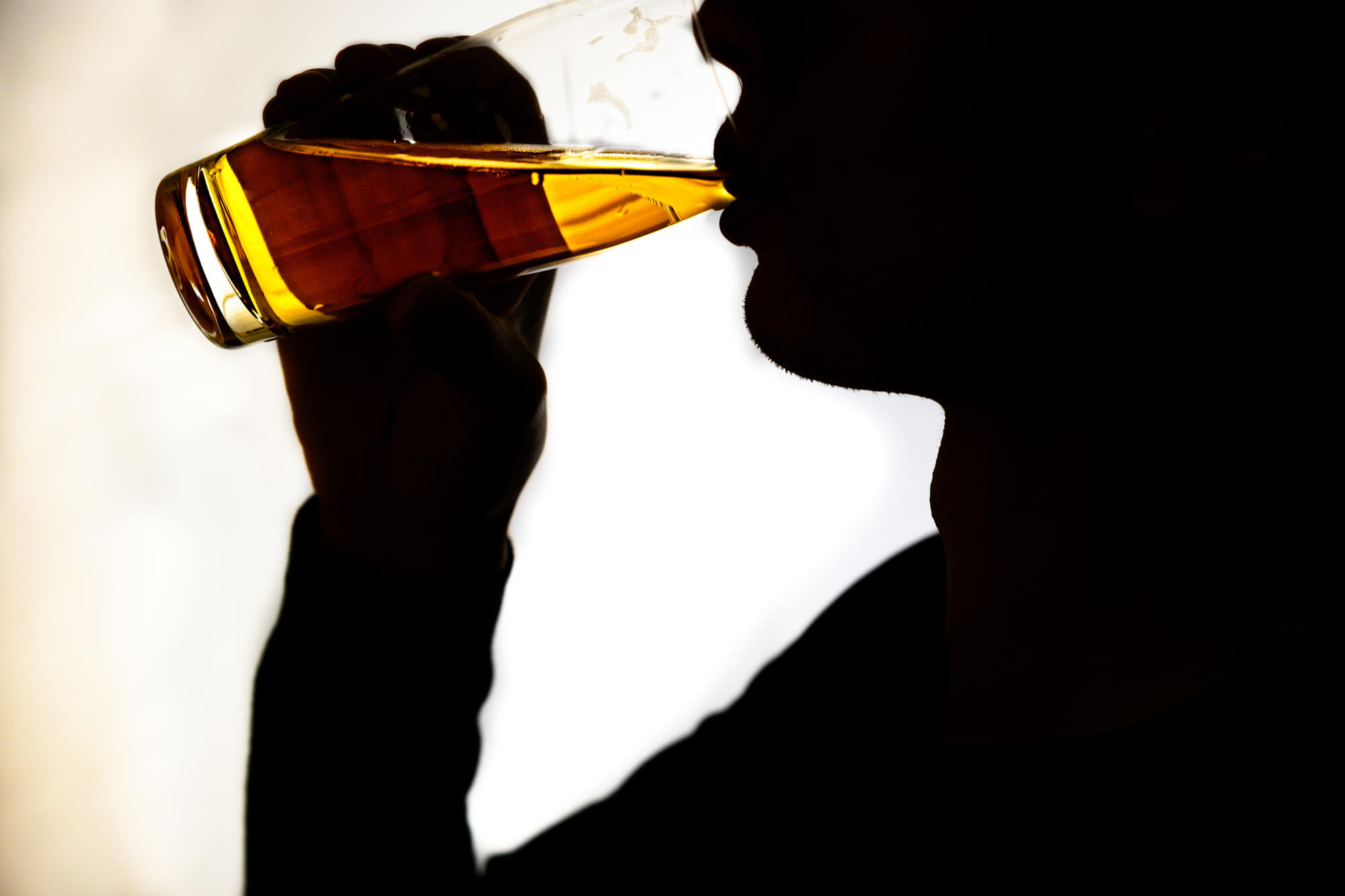 「飲めないホスト」って、ぶっちゃけアリ?――未成年も下戸ホストも大集合!